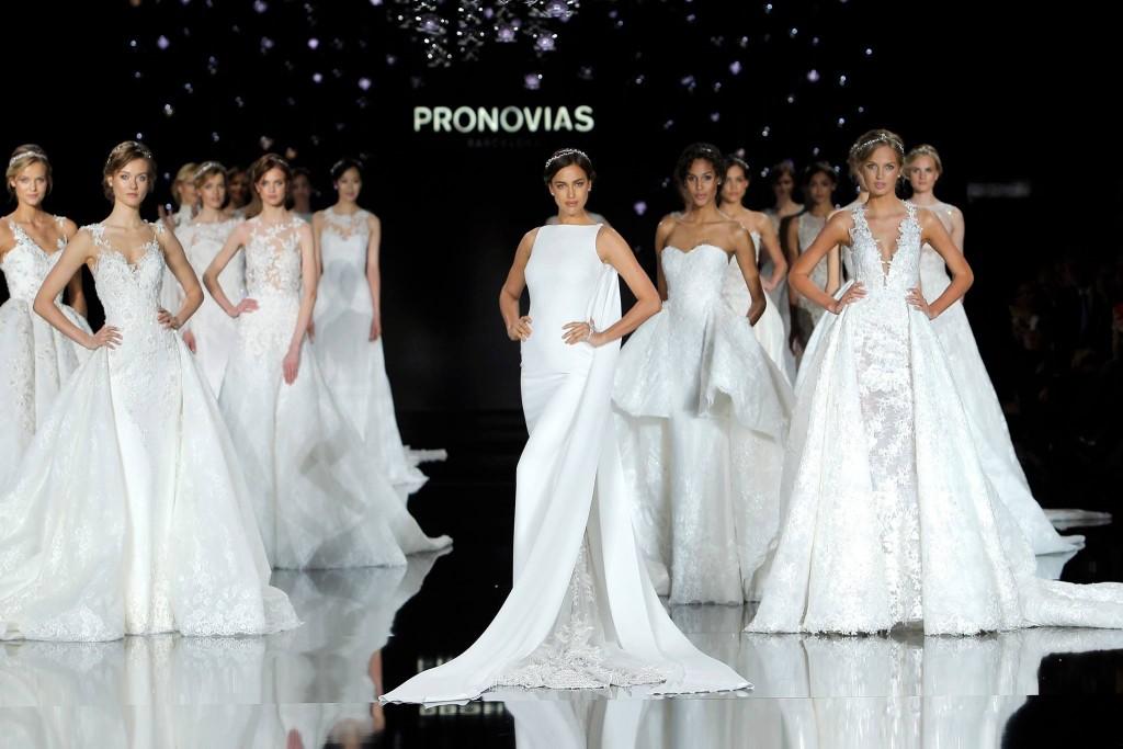pronovias_irina_shayk_brides