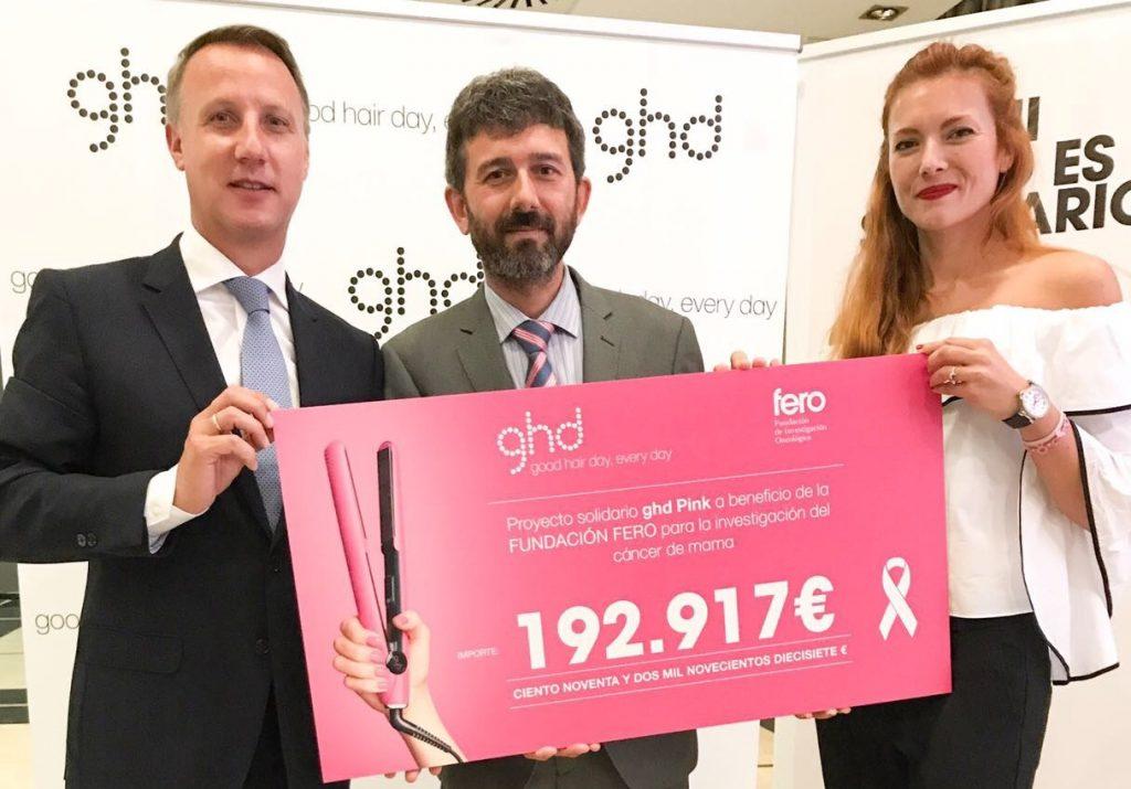ghd-entrega-cheque-solidario-pink-fero